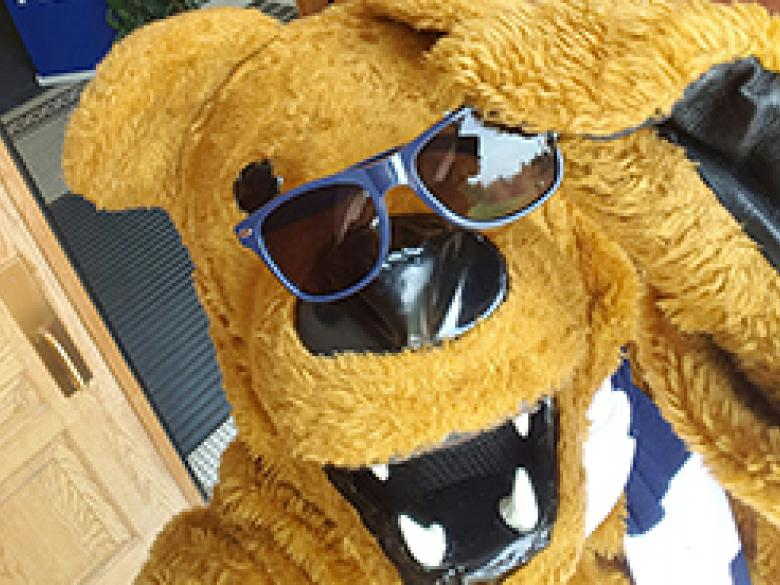 Nittany Lion selfie with sunglasses
